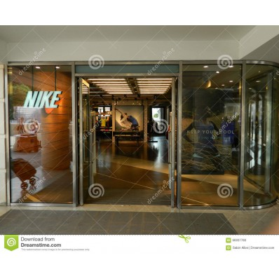 boutique nike italy