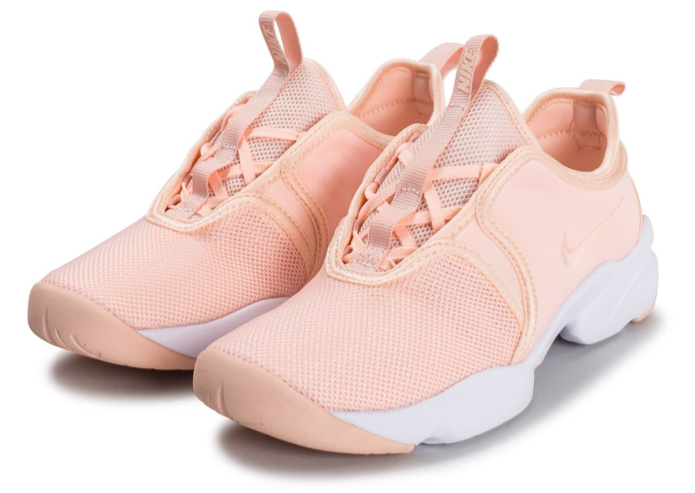 size 40 d2470 6c626 chaussure nike rose pale